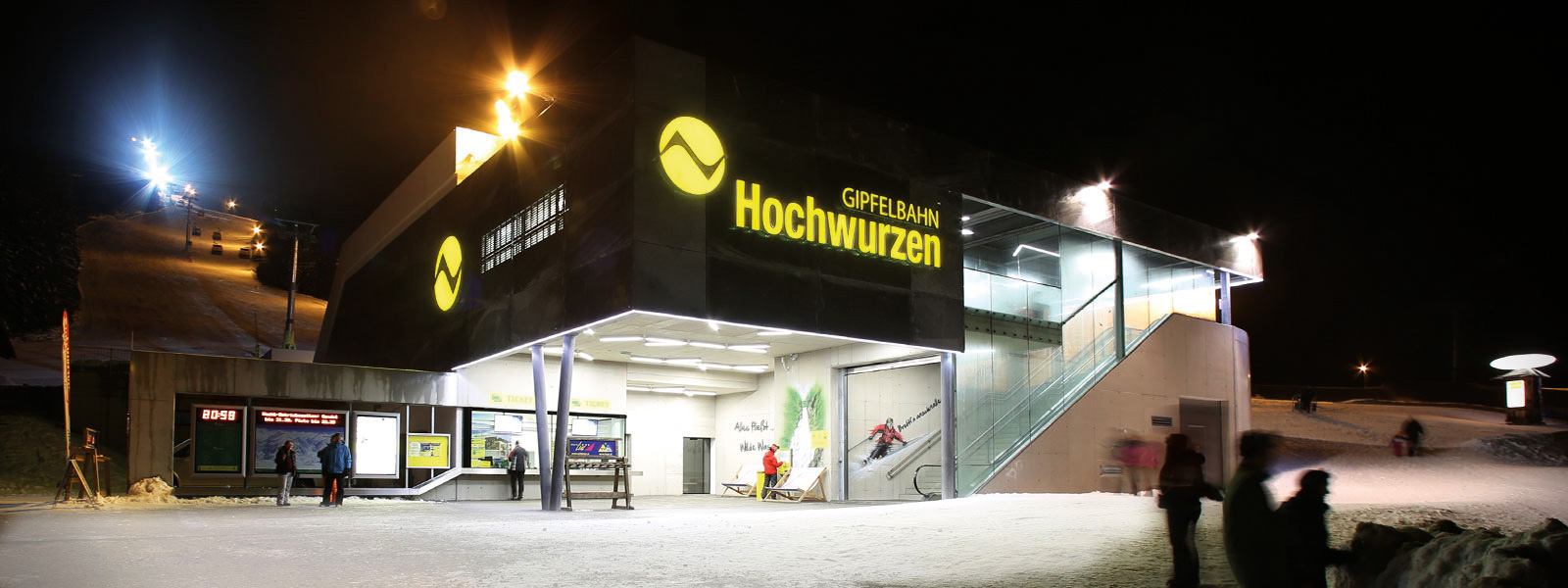 The valley station of the Gipfelbahn Hochwurzen at night